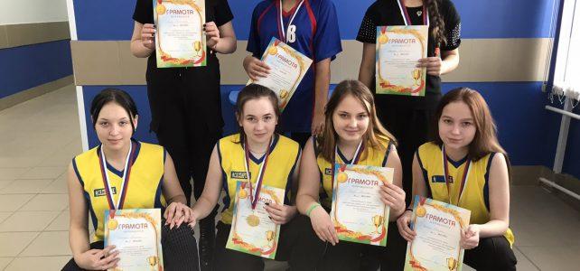 Муниципальный этап Всероссийских спортивных игр «Президентские состязания» по мини-футболу среди девушек